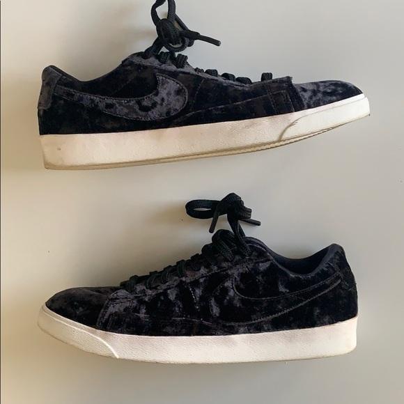 partícipe Para aumentar pueblo  Nike Shoes | Velvet Sneakers | Poshmark